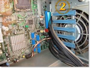 Conectores USB, panel frontal y otros en HP Proliant ML150 G3